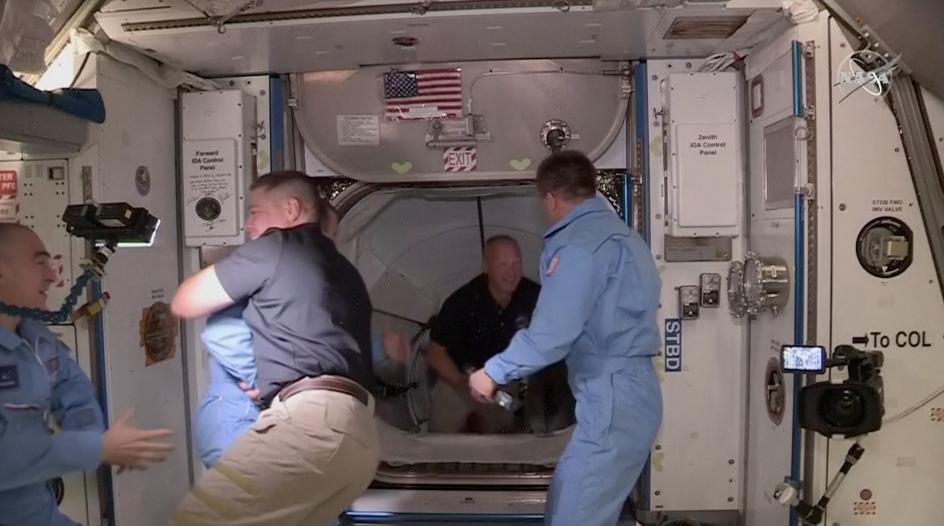 SpaceX再进一步!龙飞船与国际空间站成功对接