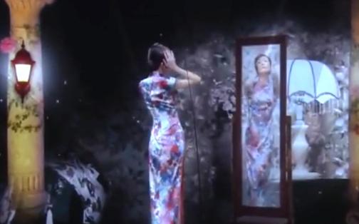 谭元元穿上旗袍重现《花样年华》,太美了!