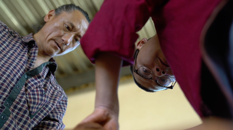 扶贫故事②乡村产业升级,吸引藏族大学生回乡