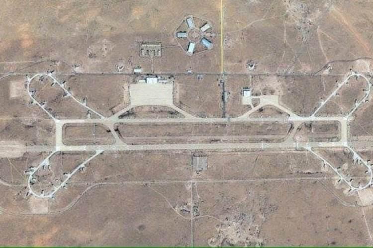 卫星图下的瓦提亚空军基地