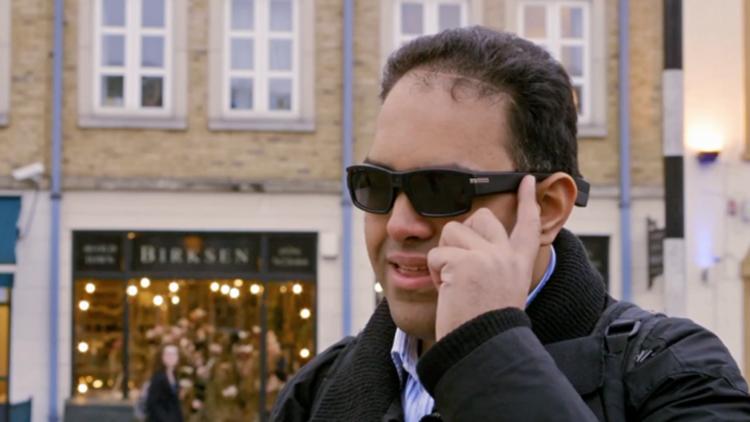 """智能眼镜:让盲人""""看到""""世界"""