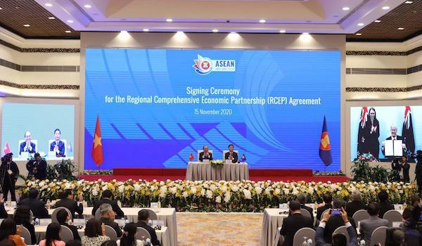 这是2020年11月15日在越南首都河内拍摄的区域全面经济伙伴关系协定(RCEP)签署仪式现场。