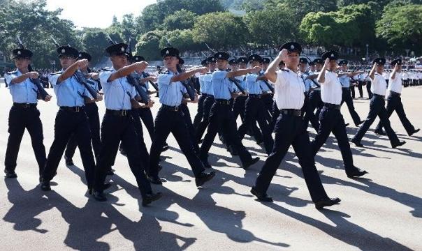 香港回归已23年 但各大纪律部队至今仍沿用英式步操