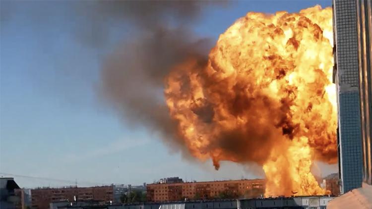 俄罗斯加油站突发爆炸 数公里外可见巨大蘑菇云