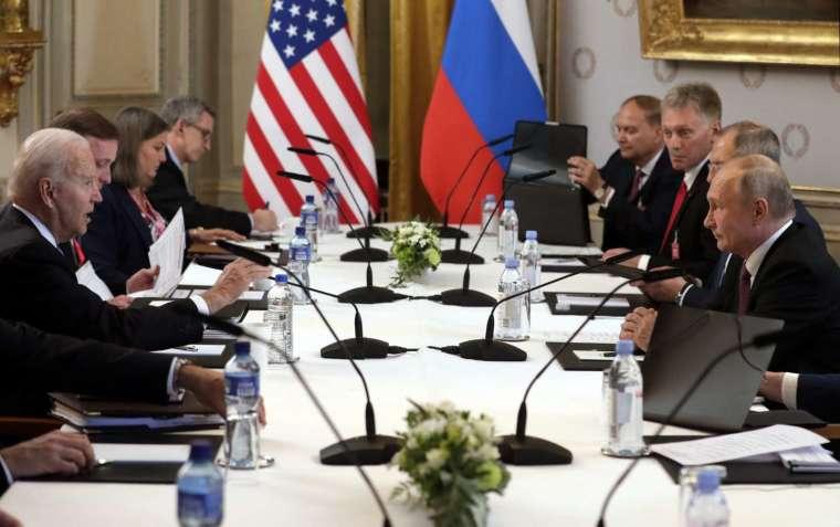 当地时间6月16日 瑞士日内瓦 俄美峰会扩大会谈