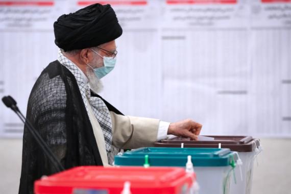伊朗最高領袖哈梅內伊投票