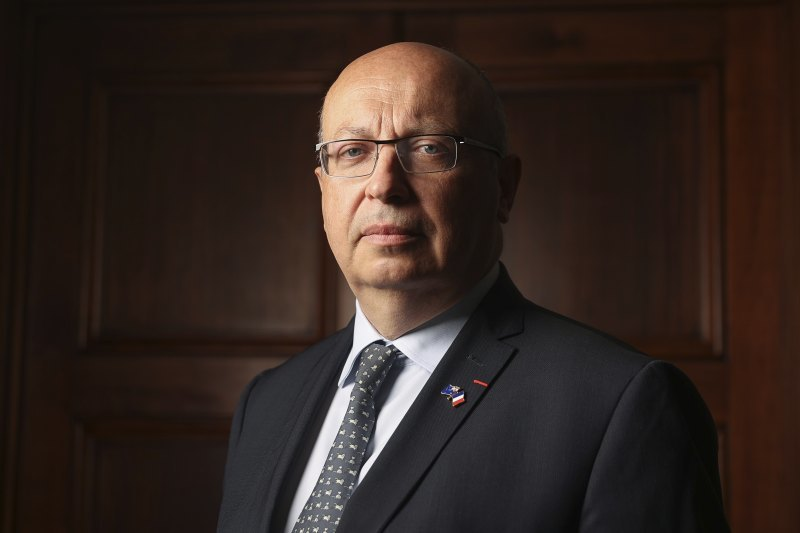 法国驻澳大利亚大使让-皮埃尔·泰博
