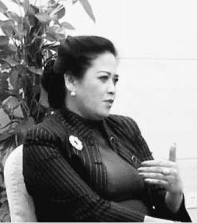 印度尼西亚大学教授科妮·巴克利